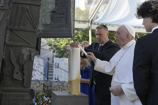 Ferenc pápa a holokauszt áldozataira emlékezett Pozsonyban