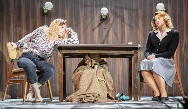 Egy ház, hat ember, három család – A kő bemutatója a Pesti Színházban   Mazsihisz
