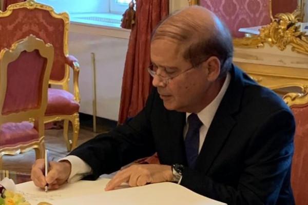 Átadta megbízólevelét az államfőnek Jakov Hadas-Handelsman, Izrael új nagykövete