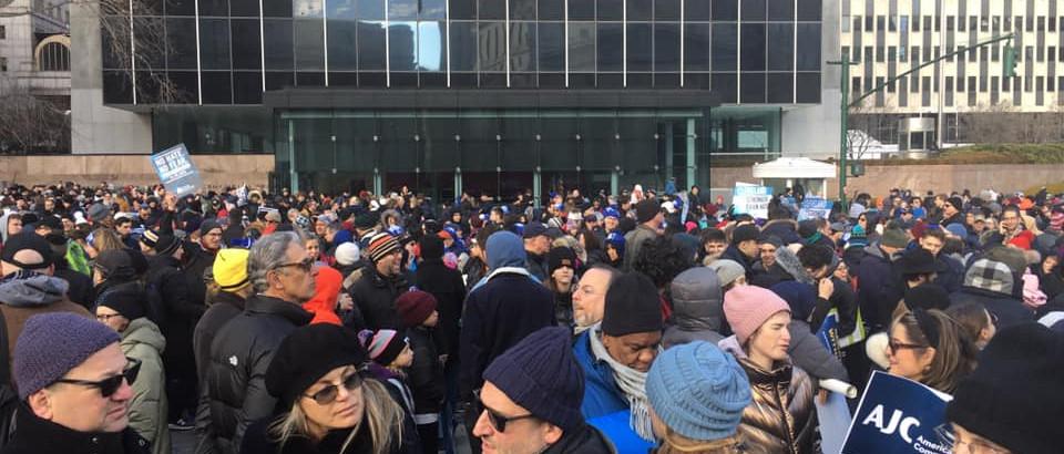 Elég volt! – Tízezren tüntetnek az antiszemitizmus ellen New Yorkban
