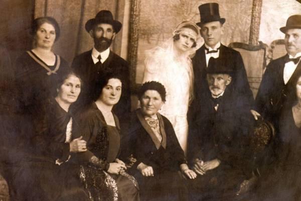 Pajesz, köntös, cilinder – avagy hogyan néztek ki az erdélyi zsidók