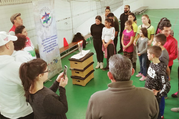 Adománygyűjtés Nógrád megyei rászorulóknak