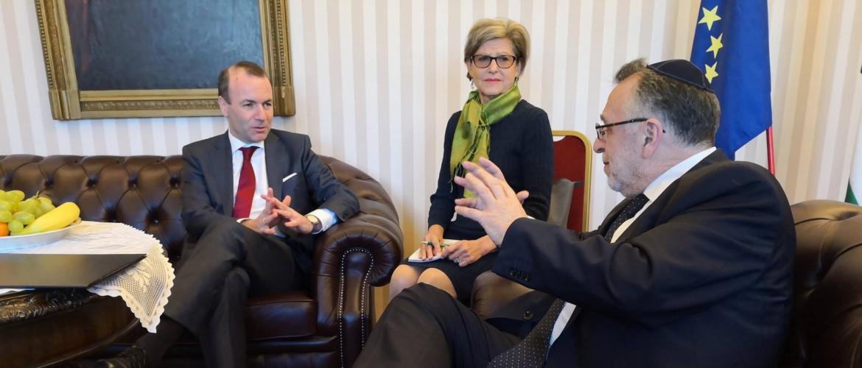 Az Európai Néppárt frakcióvezetője a Mazsihisz elnökével tárgyalt