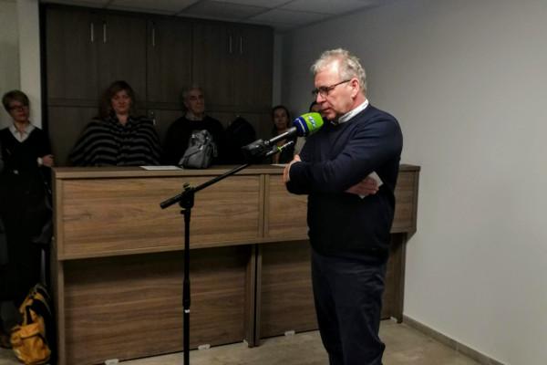 Pokorni Zoltán elsírta magát a városmajori tömeggyilkosságok helyszínén