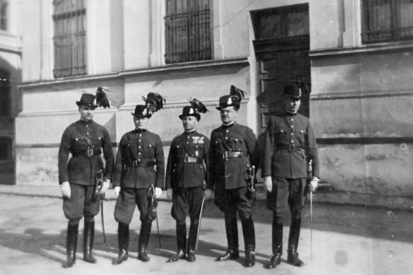A magyar csendőrök felelősségre vonása a holokauszt után