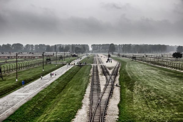 Áder Jeruzsálemben, Orbán Auschwitzban emlékezik