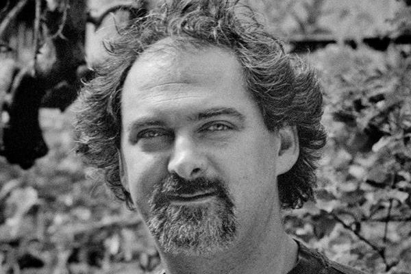 Kácsor Zsolt: Doktor Moll és a halott ember