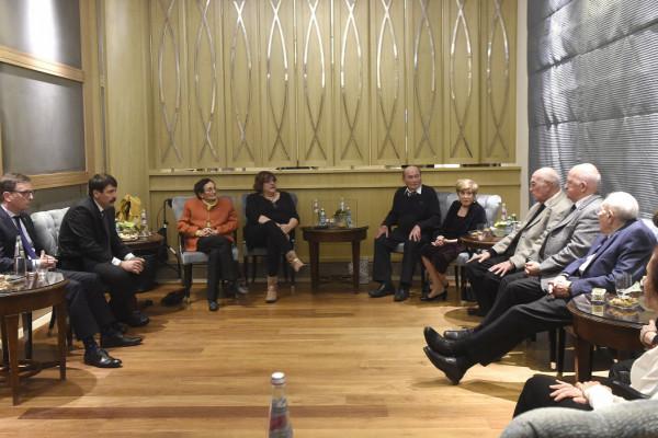 Áder János magyar holokauszt-túlélőkkel találkozott Jeruzsálemben