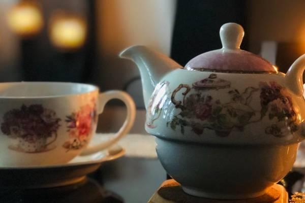 Öt órai tea a Mazsihsz elnökével a Bét Jehuda körzet szervezésében