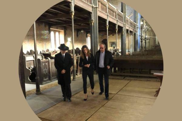 Varga Judit igazságügyi miniszter a miskolci zsinagógában