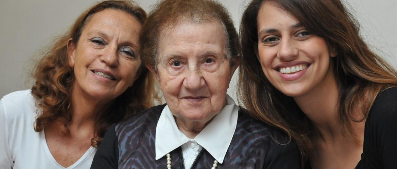 Támogatás holokauszttúlélők özvegyeinek