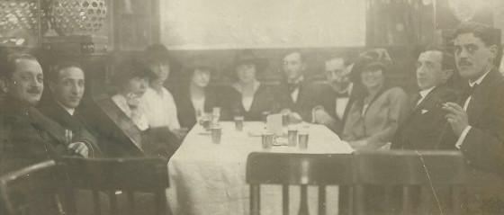 A kék szódásüvegtől a színpadi sikerekig – Bronner Miksa budapesti kávéház tulajdonos története