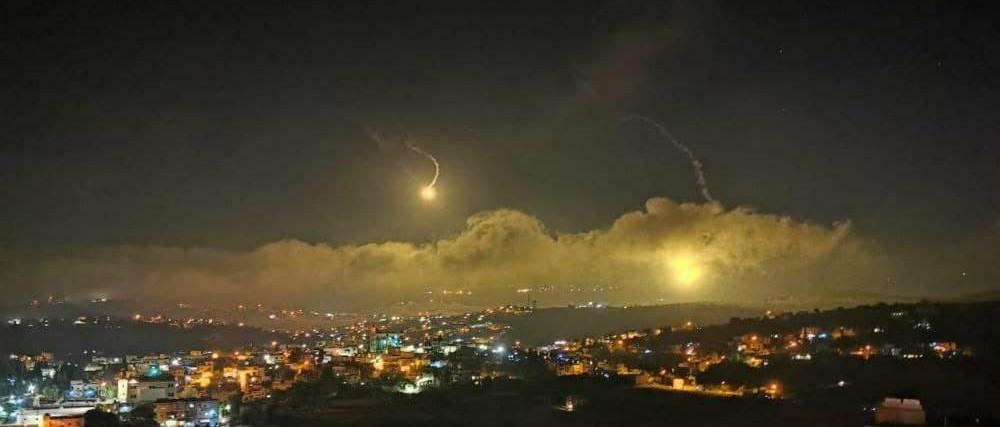 Izrael a Hezbollah állásait támadta Libanonban