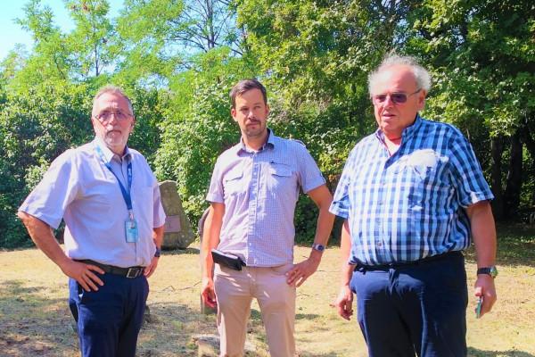 Napirenden a budakeszi zsidó temető rendbetétele