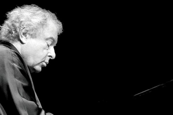 Schiff András az Izraeli Filharmonikus Zenekar első állandó vendégművésze