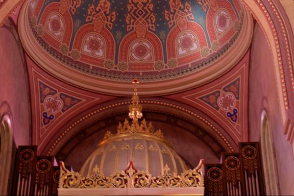 A krízismenedzsment döntött: Ismét bezárnak a zsinagógák
