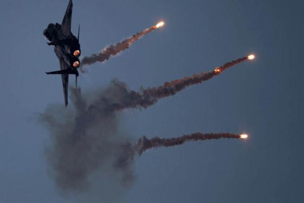Izraeli légicsapás szíriai fegyverraktárakra