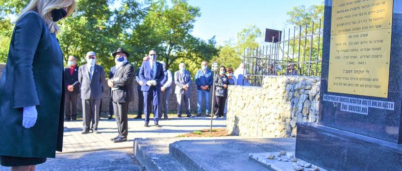 Szlovákia elnökasszonya tisztelgett a holokauszt áldozatai előtt