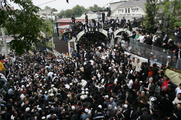 Korlátozások a híres zsidó újévi zarándoklatok miatt Ukrajnában