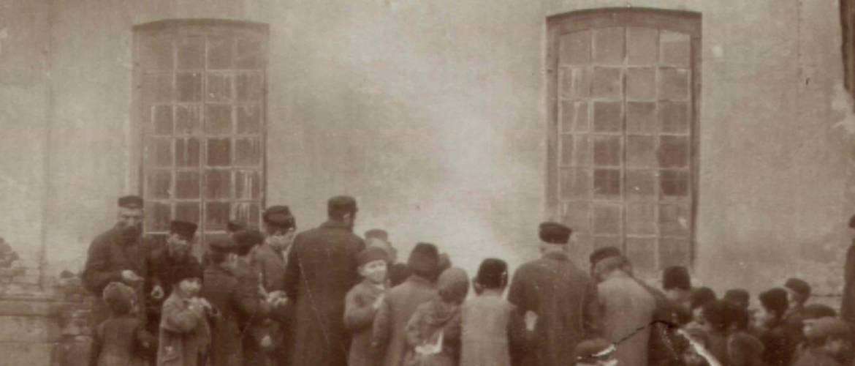 A homecos elégetése pészach előtt 1915-ben