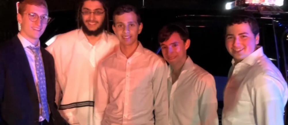 Fiatal tizenévesek meztelen