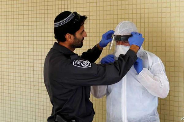 Vírushelyzet: Izrael behúzza a kéziféket