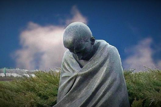 Emlékmenetet tartottak Radnóti Miklós és mártírtársai tiszteletére