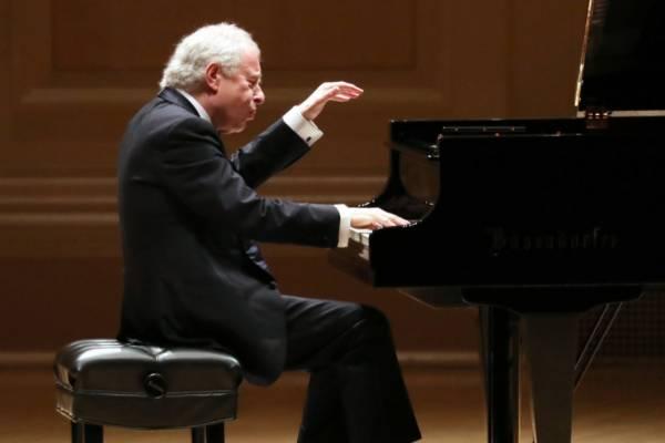 Ma 67 éves Schiff András, a nagy magyar zongorista