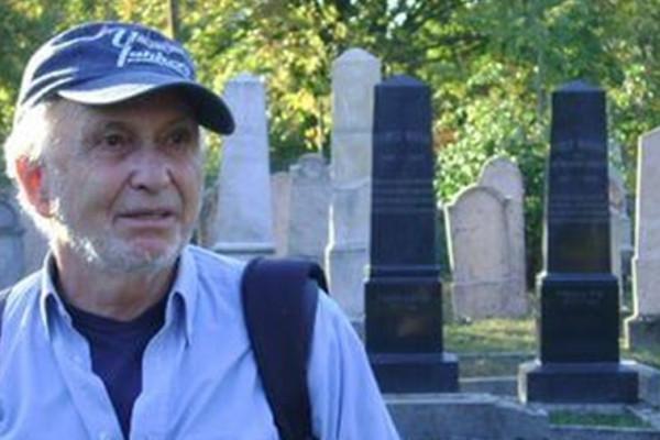 Egy kitartó, magányos újságíró halálára: Kertész Péterről