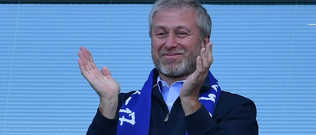 A Chelsea futballklub tulajdonosa 5 millió dollárt ad az antiszemitizmus elleni harcra