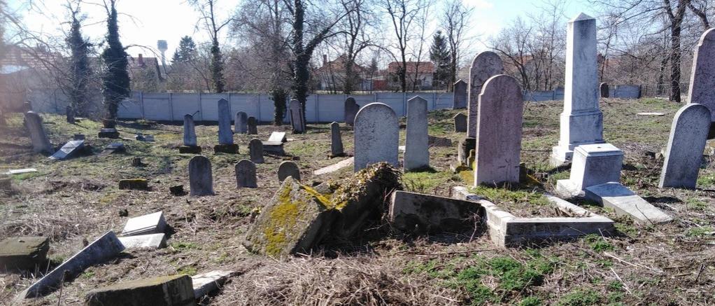 Ismeretlen tettesek zsidó sírokat rongáltak meg Kiskunfélegyházán