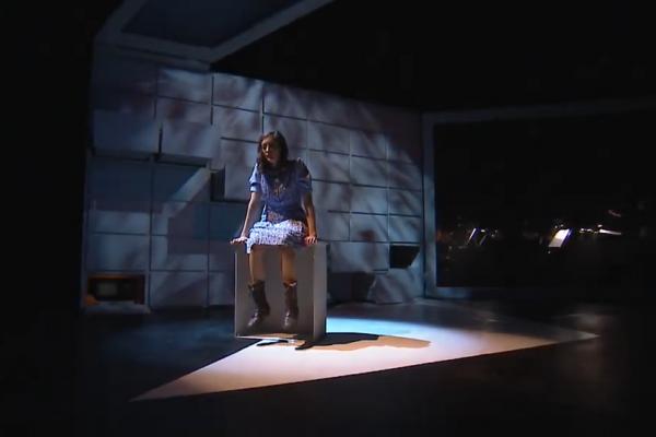 Anne Frank naplója az operettszínházból az áldozatok emlékére