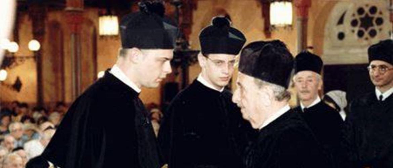 """""""Fiatal rabbik"""" félúton: húsz éve avatták rabbivá Radnóti Zolit és Verő Tomit"""