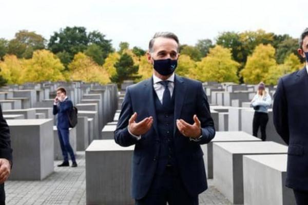 Együtt látogatta meg a berlini holokauszt-emlékművet Izrael és az Egyesült Arab Emírségek külügyminisztere