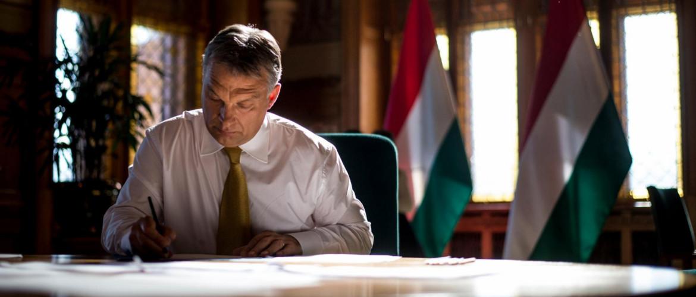 Koronavírus: lezárják Magyarország határait a személyforgalom előtt, betiltják a rendezvényeket