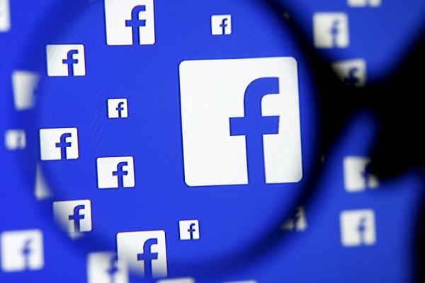 A Facebook megtiltja platformján a holokauszttagadást