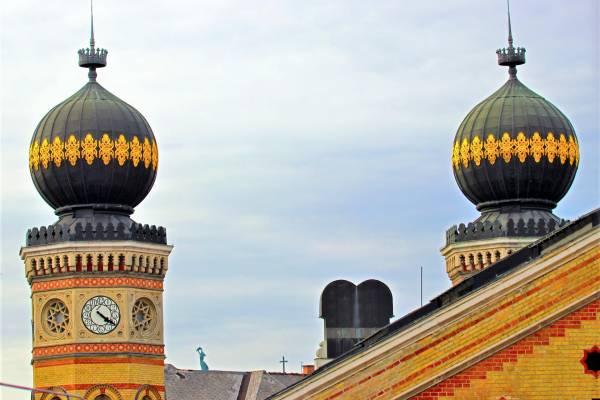 Megkezdődött a felkészülés zsinagógáink megnyitására