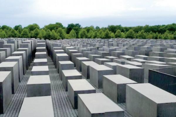 Németország a holokauszttúlélők özvegyeinek és a Világ Igazainak is folyósít járadékot