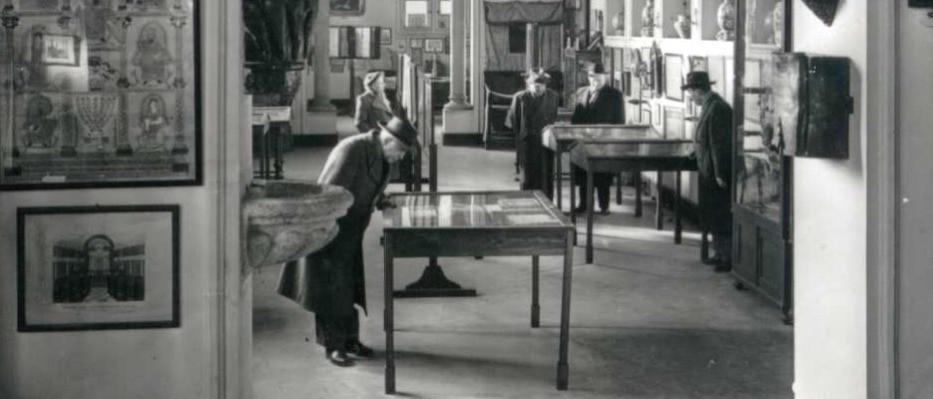 Tárgyadományok a zsidó múzeumnak Ausztráliából