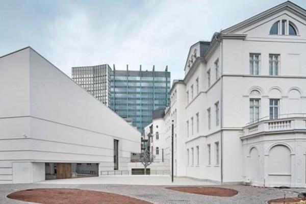 Megnyitották a felújított frankfurti zsidó múzeumot