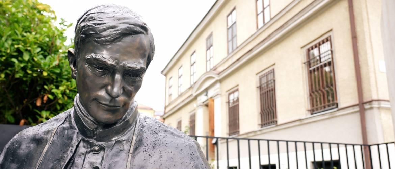 Egy igaz ember – Szobrot kapott Kaposváron Márton Áron erdélyi püspök