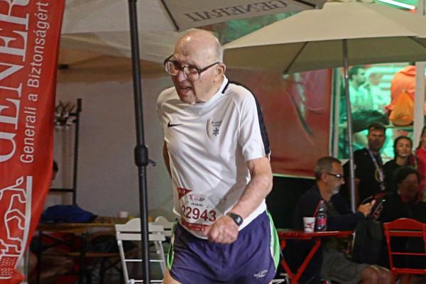 Maccabi-futók nyerték a Budapest Night Run félmaratont