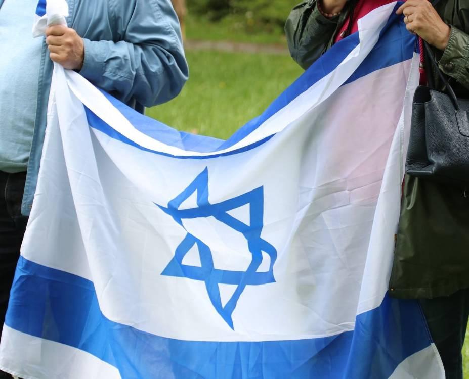 Melletted állunk, Izrael!   Mazsihisz