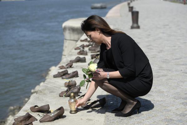 Holokauszt emléknap: fontos, hogy figyelmeztessük a következő generációkat