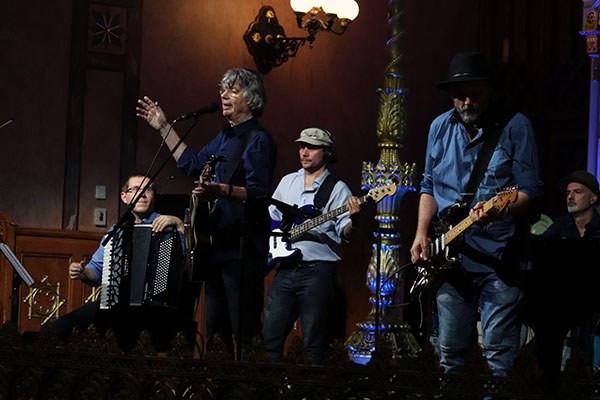Tomboló siker volt Bródy János koncertje a Zsidó Kulturális Fesztiválon