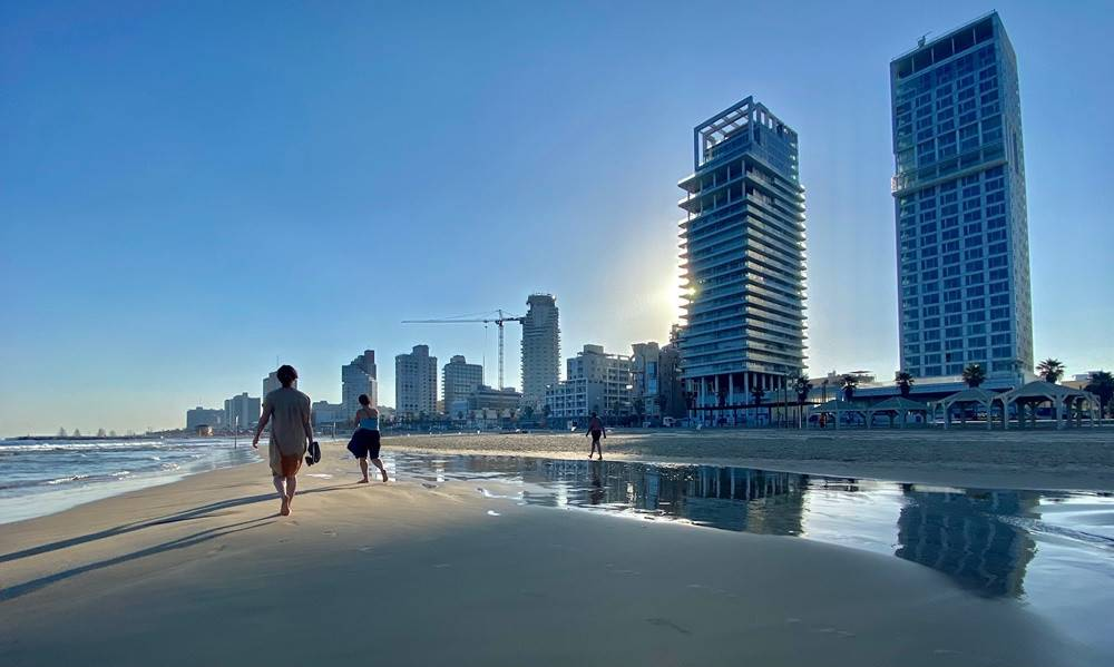 Kora reggel, tengerpart, Tel-Aviv | Mazsihisz