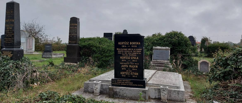 Folytatódnak a munkálatok: zsidó temetőket újított fel a Mazsihisz