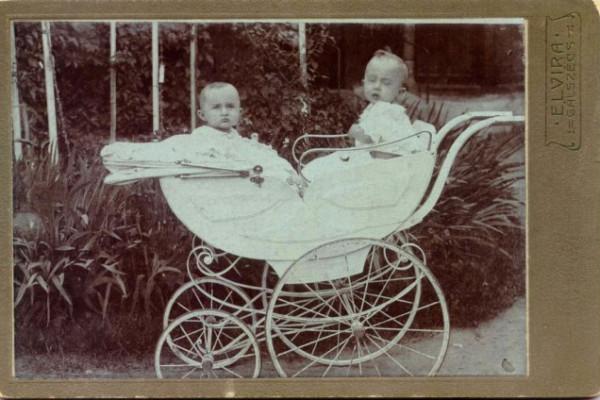 A halálra ítélt Hochstädter család találkozása a jelennel