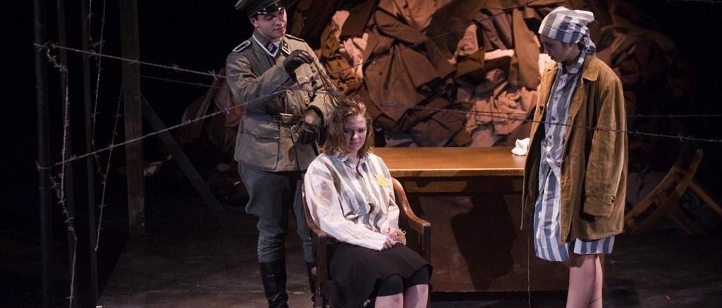 Megjelent az Auschwitzi bölcsődal magyarul