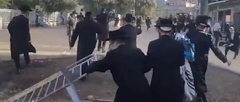 Őrizetbe vettek több száz ultraortodox zsidót a korlátozások megszegése miatt